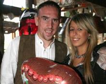 Franck Ribéry junto a su esposa, Wahiba Belhami.