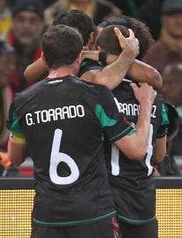 La selección de México celebrando un gol