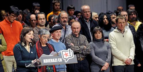 Algunos miembros de la izquierda abertzale, Aralar y Eusko Alkartasuna (Efe).