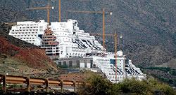 Vista del hotel El Algarrobico (A.R.).