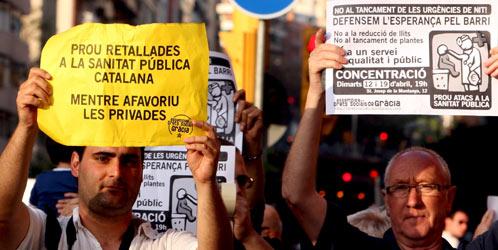 Concentración de los trabajadores del Hospital de la Esperanza de Barcelona (EFE).