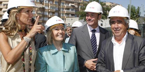 Enrique Cascallana, ex alcalde de Alcorcón, acompañado de Tomás Gómez, Amparo Valcarce y Cristina Garmendia.