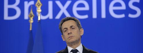 Sarkozy en la rueda posterior a la cena del Consejo (Reuters)