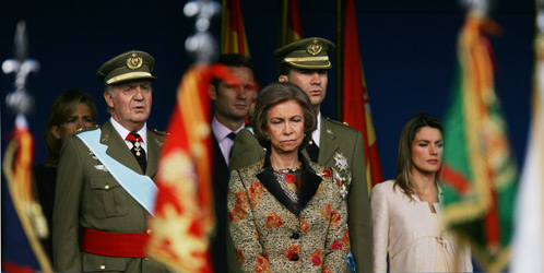 El Rey y, tras él, Urdangarín, junto a otros miembros de la Familia Real (Reuters)