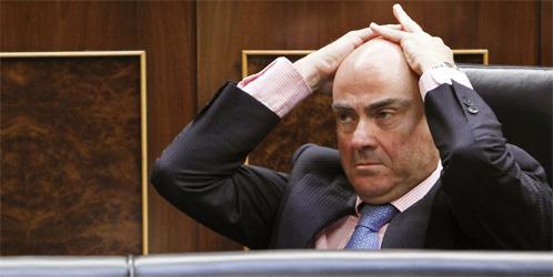 """De Guindos recula y solo dará a Bankia el dinero """"estrictamente necesario"""""""