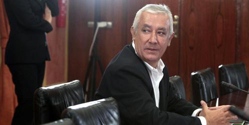 """Arenas acusa a Chaves y Griñán: """"Los informes llegaron a lo más alto"""""""