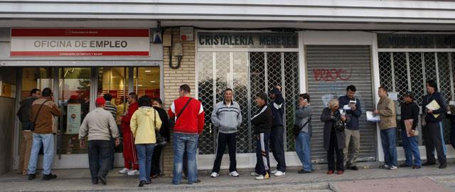 Andalucía pulverizará el récord de paro en 2013: 1,37 millones y una tasa del 35,5%