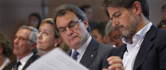 El expresidente de la Generalitat, Artur Mas, y el secretario general de CDC, Oriol Pujol (Efe).